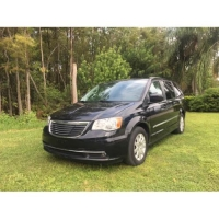 zSOLD!!!   Chrysler Town Country Turing  2013.    $7000
