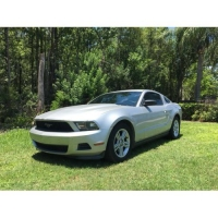 Ford Mustang  2012.    $5500
